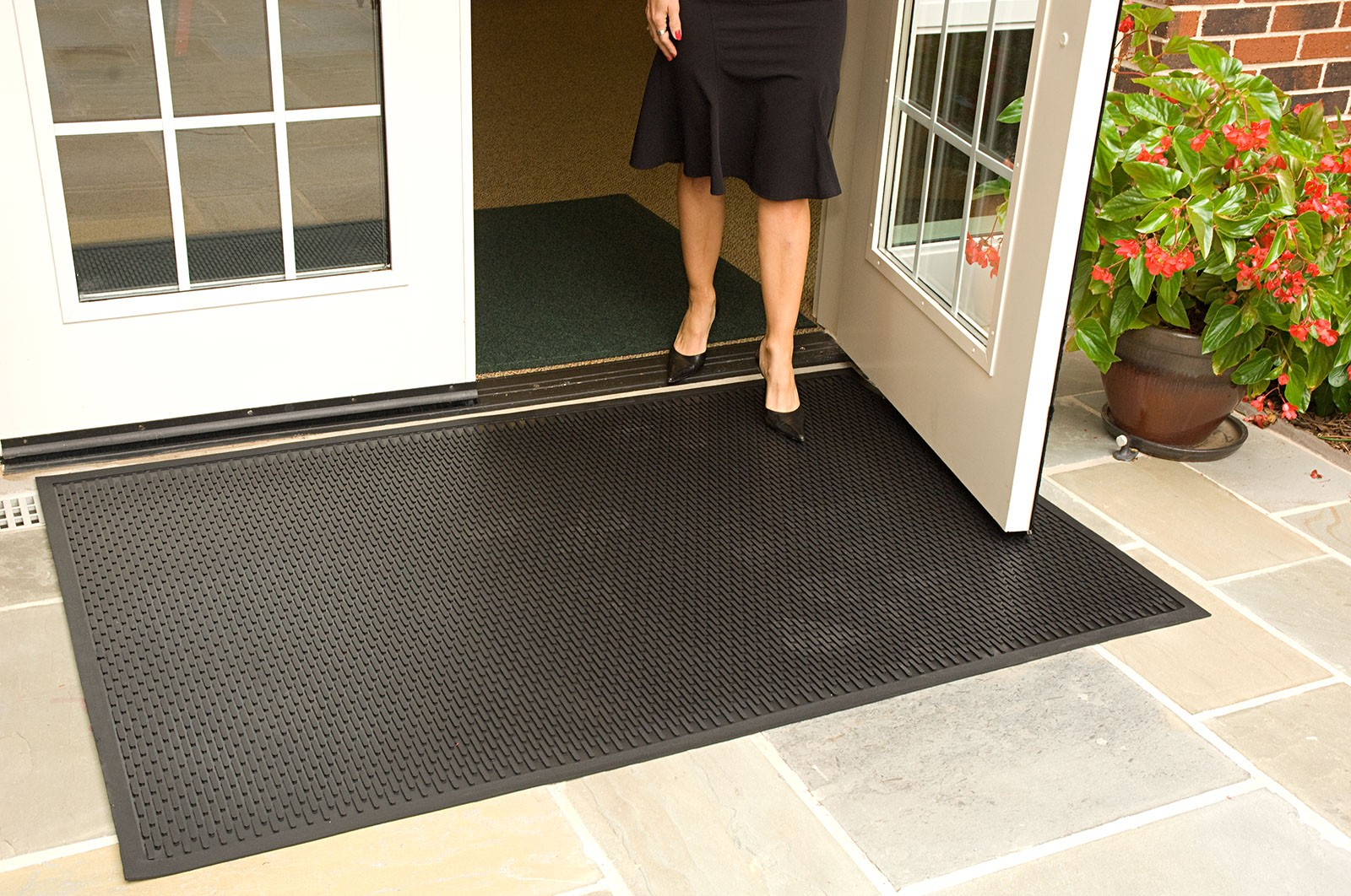 scrapemat rubber outdoor entrance floor mat floor mat. Black Bedroom Furniture Sets. Home Design Ideas